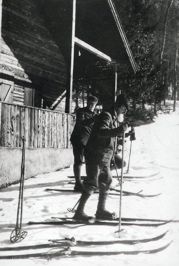 Robert Bosch on skis